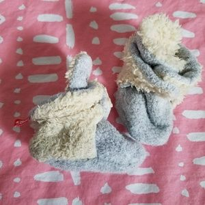 Other - Zutano fleece booties